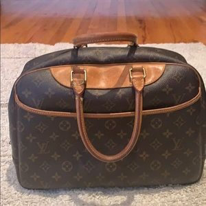 Authentic Louis Vuitton Deauville handbag